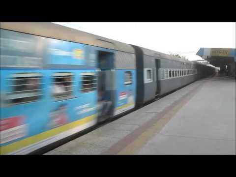 12108 Lucknow Jn. - Mumbai LTT SF Express @ MPS !!