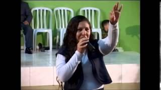 Cantora Luzia Costa Contando parte do testemunho..