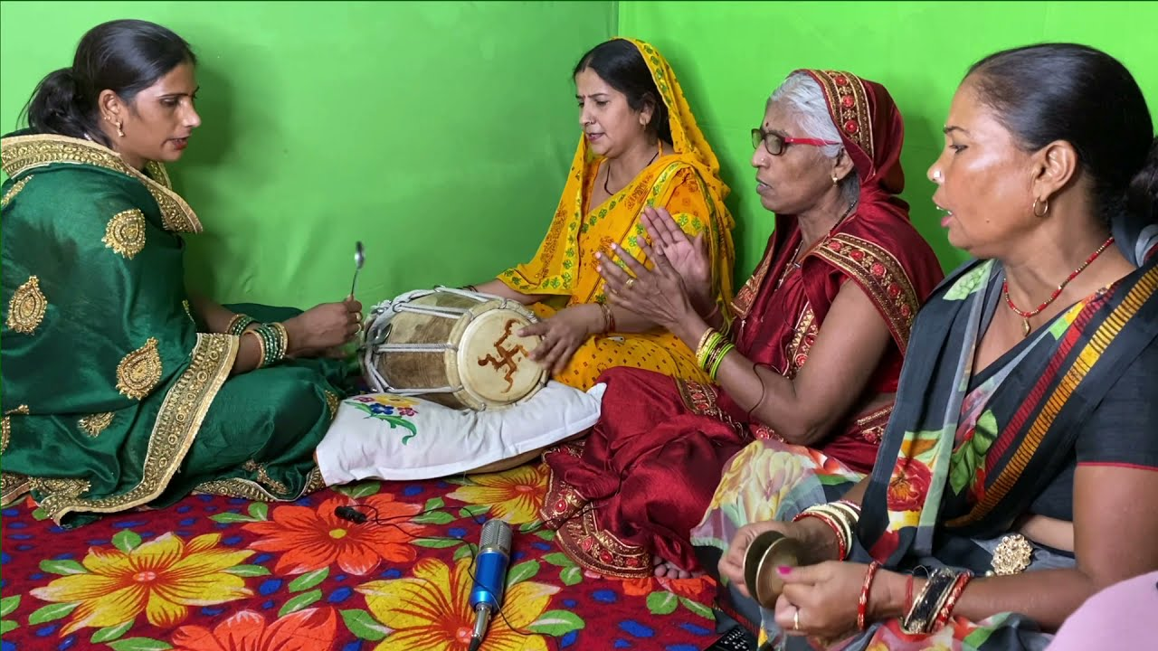 ऊँचे पर्वत वैष्णो बैठी कर सोलह श्रृंगार है -  Bahut sundar devi bhajan   