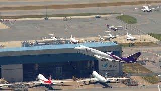 hong kong airport aircraft movements with atc thai 747
