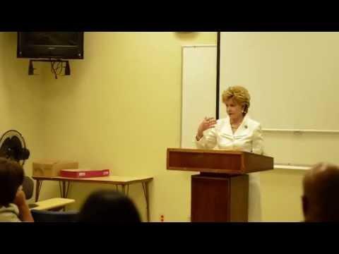 Cogresswoman Madeleine Bordallo w/ advisors at UOG