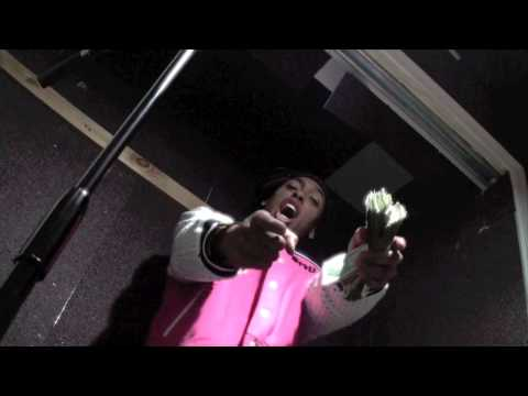 Topdolla Sweizy - Turn Up (In Studio Video) [SweizyGang Ent. Submitted]
