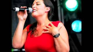 Caro Emerald- Stuck (+ Lyrics)