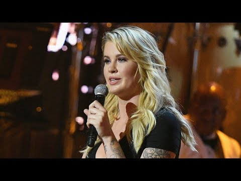 Thumbnail: WATCH: Ireland Baldwin Jokes About Infamous 'Pig' Voicemail During Dad Alec's 'One Night Only' Roast