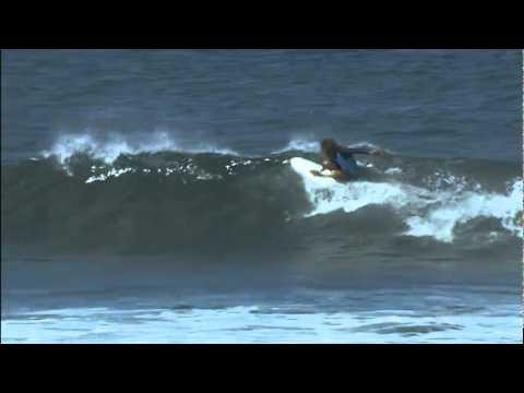 d5604dac2c Vans Triple Crown of Surfing Reef Hawaiian Pro 2011 - Clash of the Legends