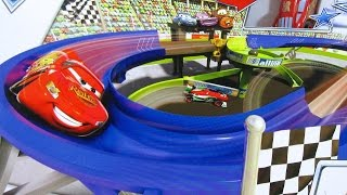 Disney Pixar Cars 2 Superpista de Carreras Stunt Racers Double Decker Speedway - Juguetes de Disney