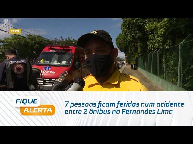 7 pessoas ficam feridas num acidente entre 2 ônibus na Fernandes Lima