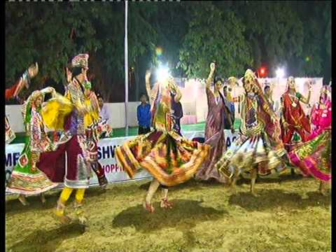 Live Garba 2014 - Lions Club Gandhinagar Navratri Dimple Pancholi (1 Oct 2014) Day 7 - Part - 1