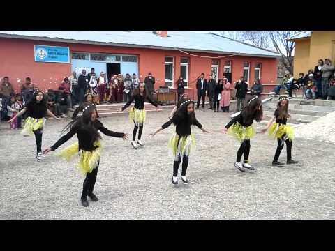 Waka Waka - 23 Nisan Dans Gösterisi