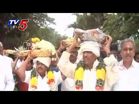 Bojjala Gopalakrishna Offers Silk Clothes to Kanipakam Vinayaka : TV5 News