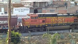 BNSF 3976 ET44C4 CSX 3299 ET44C4 y BNSF 4638 y 4659 100 gringo
