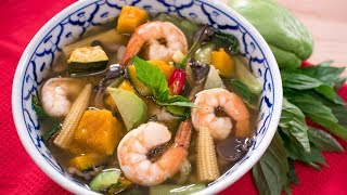 Kaeng Liang - Breast Milk Booster Shrimp & Veggie Soup! แกงเลียง | Thai Recipes