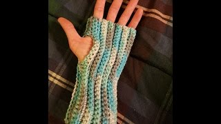 Easy Crocheted Fingerless Gloves Tutorial