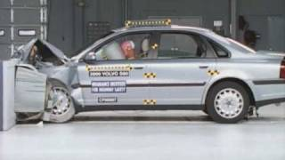 2001 Volvo S80 moderate overlap IIHS crash test