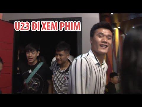 Bùi Tiến Dũng, Hà Đức Chinh rủ nhau đi xem phim ở Sài Gòn