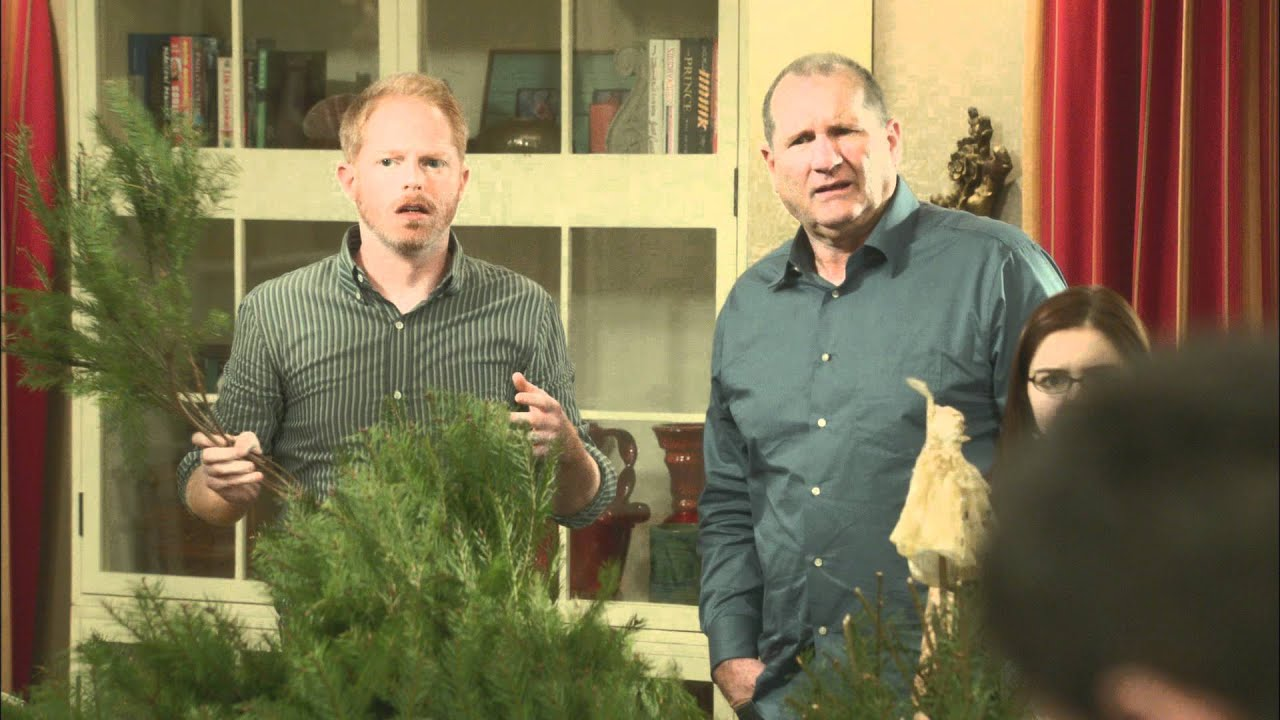 Modern Family Christmas Episodes.Modern Family Express Christmas Episode 15 Second Promo