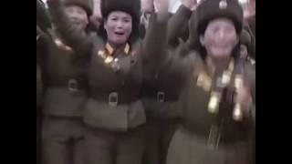金正恩视察朝鲜女兵军营 女兵神情激动