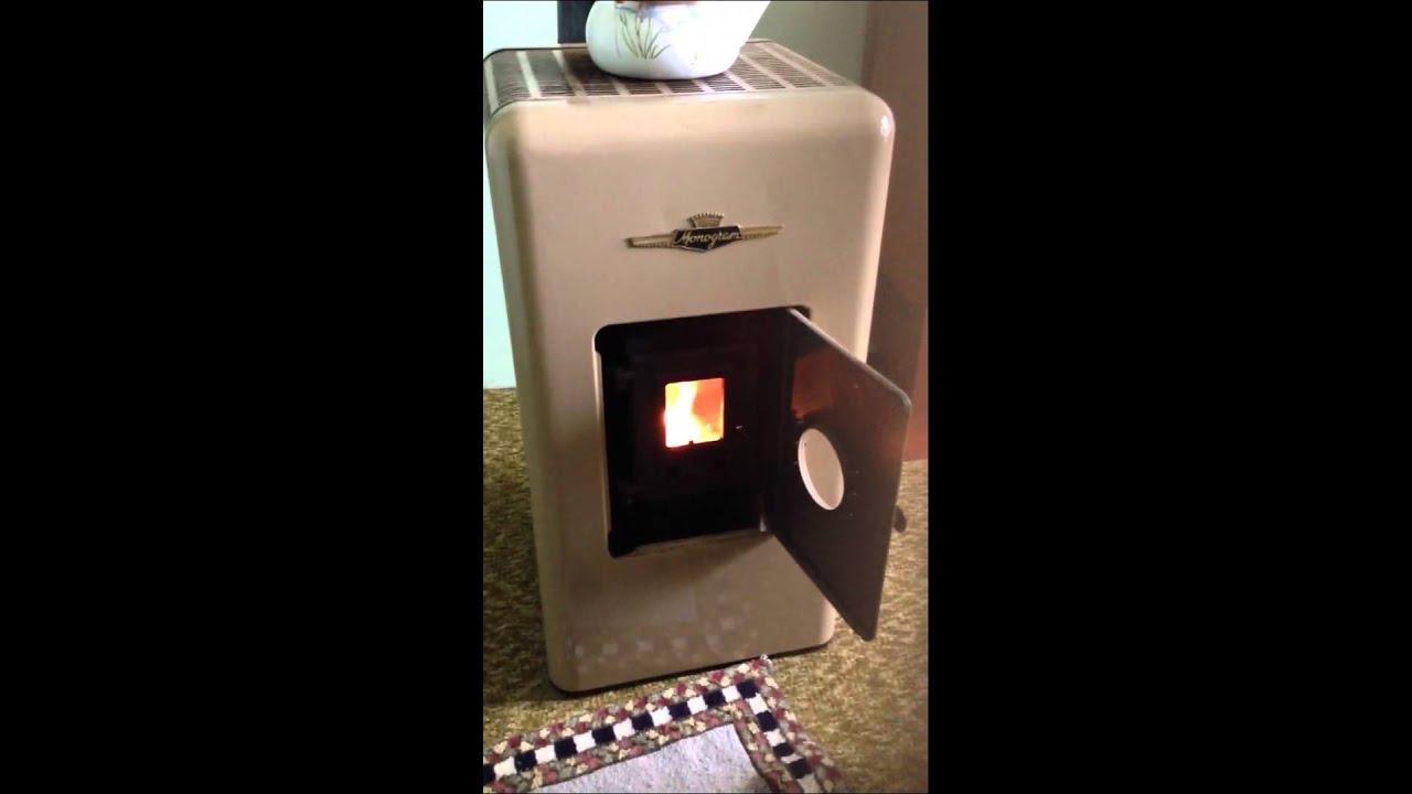 1952 Monogram Kerosene Antique Stove - YouTube