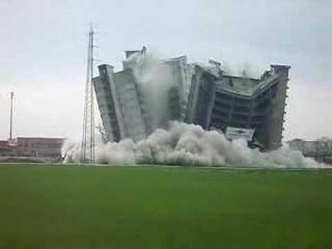 esplosione palazzo san giuliano milanese