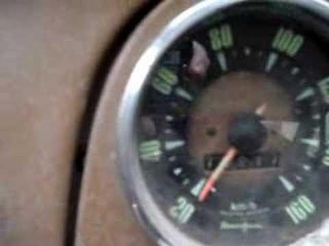 Auto Union acelerando con intento de despegue picadas drag