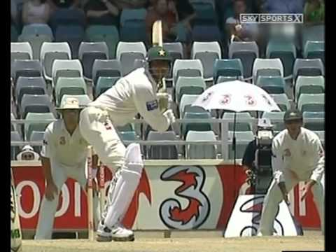 Glenn McGrath 8/24 vs Pakistan 1st test Perth 2004/05
