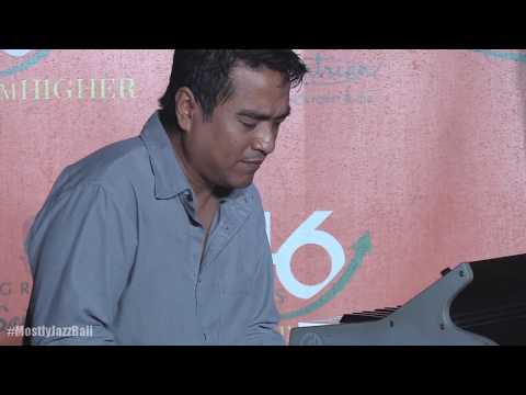 Download lagu Indra Lesmana Trio - Stephanie @ Mostly Jazz Bali 26/5/18 [HD] Mp3 terbaik