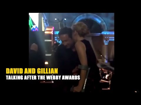 Gillian Anderson and David Duchovny talk after receiving Award - May 15, 2017