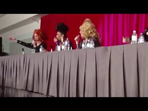 "05-08-16 Robbie Turner Defends Her Grill ""The Library Is Open"" Panel DragCon 2016"
