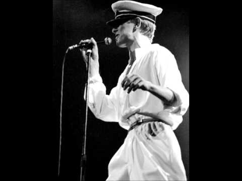 David Bowie - Be My Wife - Earl's Court, London, 1-07-1978 3/23