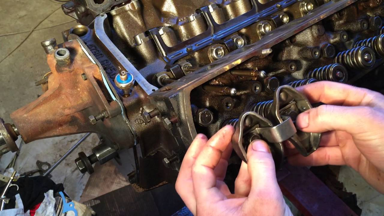 installing pushrods and rocker arms international 240 [ 1280 x 720 Pixel ]
