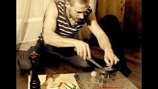 Столик для приготовления пищи в походных условиях.