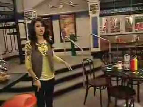 Wizards of Waverly Place Behind the Scenes with Selena ...