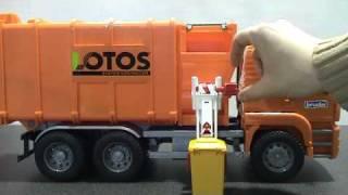 BRUDER 02761- MAN Side loading garbage truck