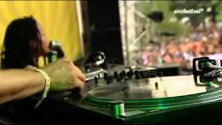 Atmosphere - Shrapnel (live at Summerjam 2009)