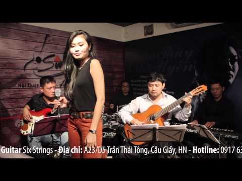 Mùa Thu Cho Em - Trần Thụy Nhã Uyên live at Six Strings