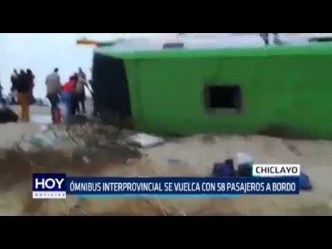 Chiclayo: Ómnibus interprovincial se vuelca con 58 pasajeros a bordo