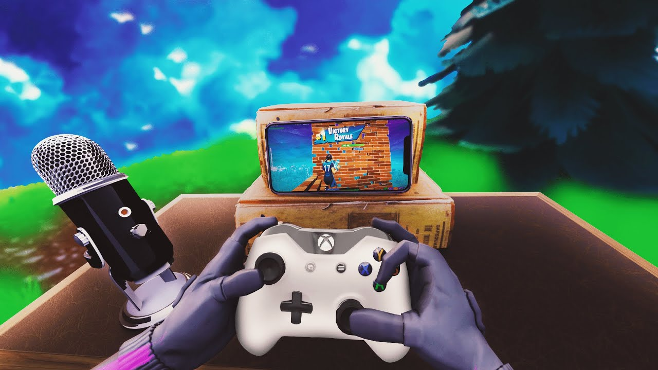 I used a controller on Mobile Fortnite... (Cheating ...