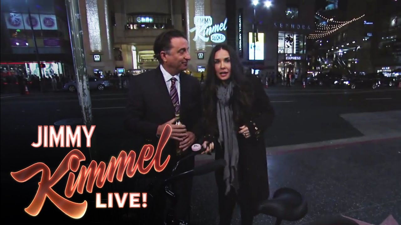 matt damon and andy garcia find demi moore outside on