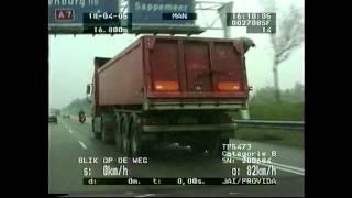 Blik op de Weg OFFICIAL - Fragment Vrachtwagen met losse achterklep