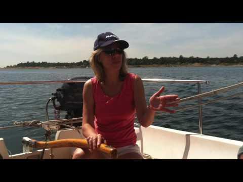 CATALINA 22  sailing in Northern California