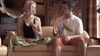Joss Stone in Thailand doing a collaboration with a band called Siam heaha #JSTWT