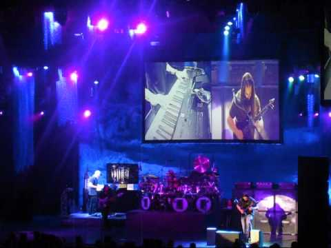 Dream Theater - (part Of) In The Name Of God (solo/harmonic) - Prog Nation San Jose 8-27-09