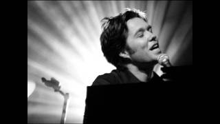 Watch Rufus Wainwright Agnus Dei video