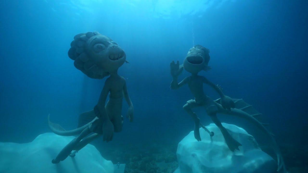 Disney+   Luca - Statue subacquee di Luca e Alberto