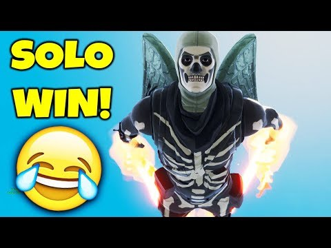 HILARIOUS SOLO WIN IN FORTNITE BATTLE ROYALE!!