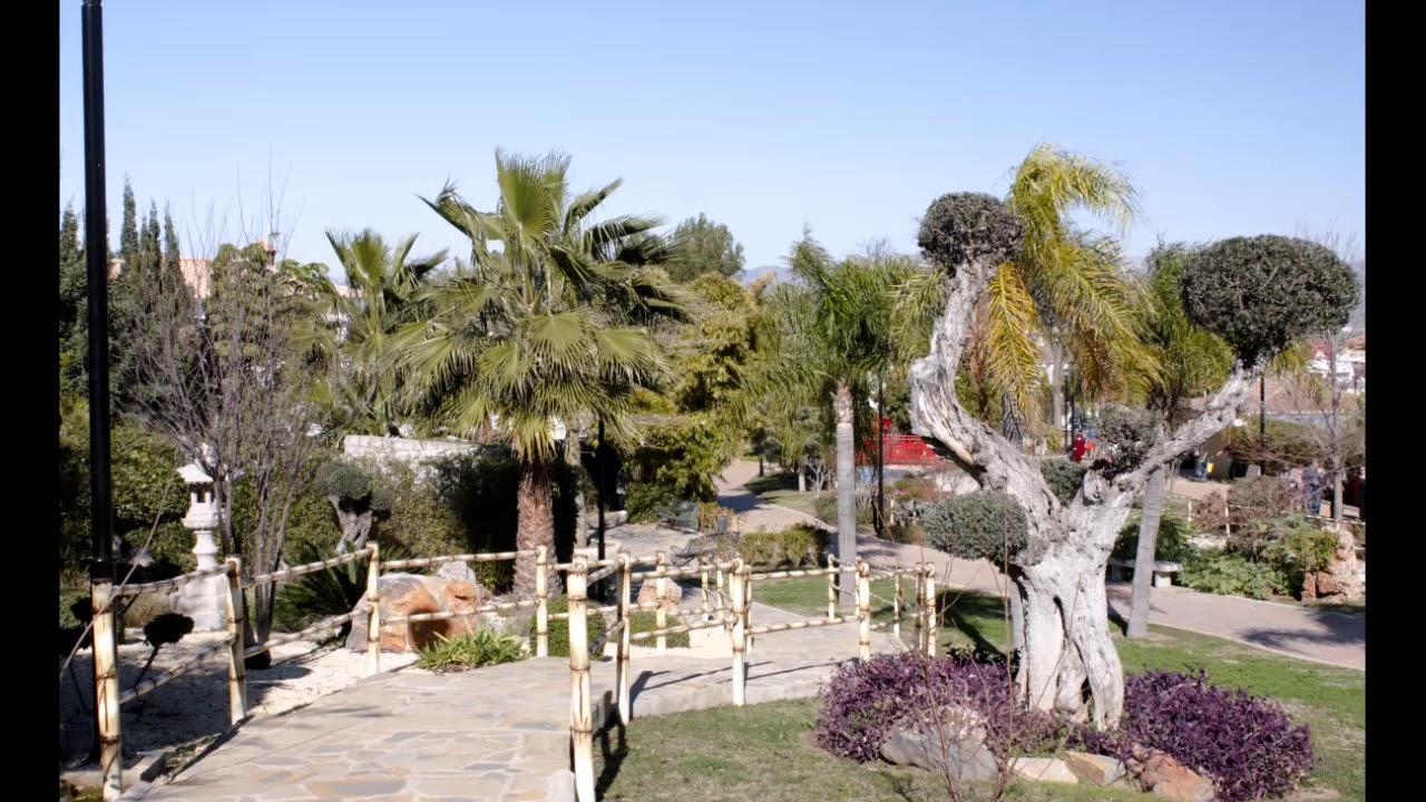 Jardin oriental alhaurin de la torre youtube for Jardin oriental bienquerido alhaurin de la torre