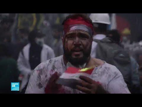 مشاهد يومية من الاحتجاجات في العراق يقدمها فنانون في ساحة التحرير ببغداد  - 16:02-2019 / 12 / 5
