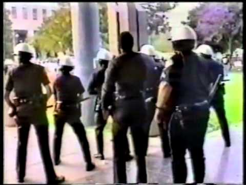 Los Angeles Uprising Raw Footage 1992 - Los Angeles County Metropolitan Courthouse
