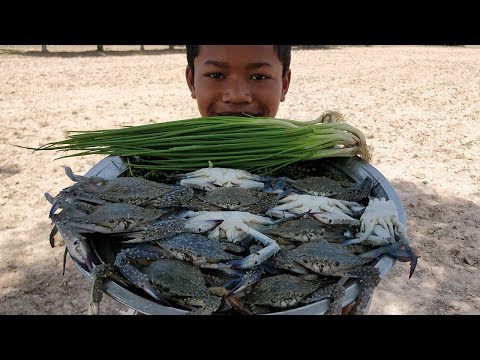 Yummy Crab Cooking with Young Green Pepper / Fried Sea Crab with Green Onion
