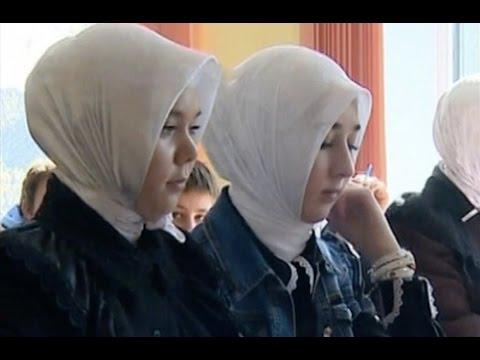 """""""Сейчас сюда едут ФСБ"""" - угрозы директора школы"""